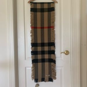 NWT Burberry Fringed Check Wool Scarf